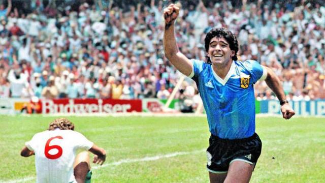 Diego Maradona Meninggal Usai Jalani Operasi Otak