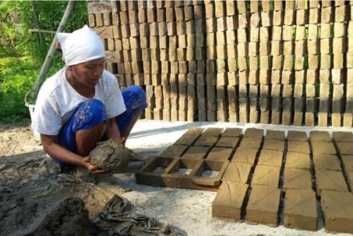 Puluhan Pengusaha Batu Bata Lokal di Dumai Terancam Gulung Tikar