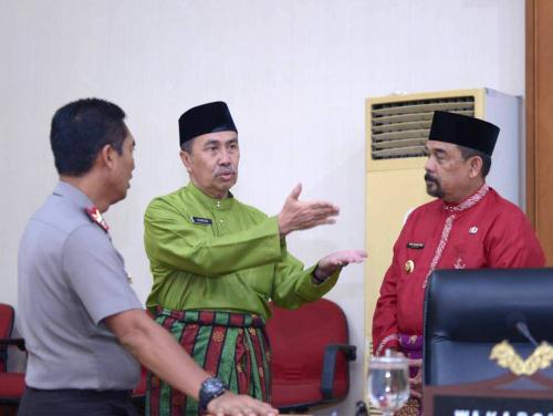 ISPU di Riau Turun Naik, Gubri Syamsuar: Keadaan Darurat Pencemaran Udara Sampai 30 September
