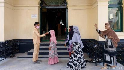 Diterapkan Prokes yang Ketat, Pengunjung Istana Siak Tetap Meningkat