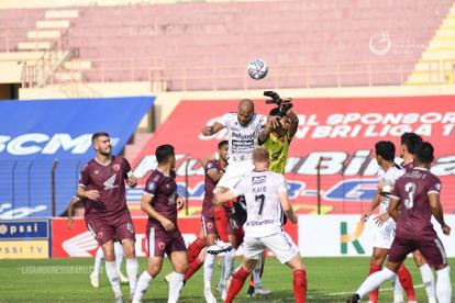 Bali United Siapkan Duet Bek Lokal Hadapi PSS