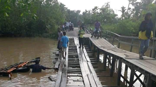 Pemprov Riau akan Bantu Perbaikan Jembatan Kayu Parit 16 Pulau Kecil Inhil