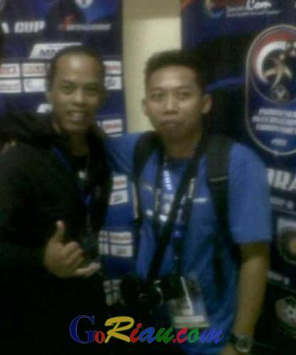 Prihatin dengan Kondisi Sepakbola Tanah Air, Ronaldinho asal Indonesia ini Berharap PSSI dan Menpora Segera Islah