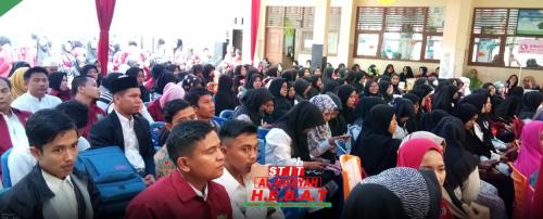 Kuliah Umum Pilihan Cerdas Menuju Guru Bintang Pukau Ratusan Mahasiswa STIT Al-Kifayah Riau