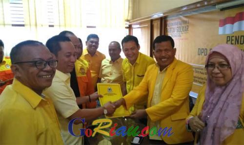 Kumpulkan 66 Persen Dukungan, Andi Rachman Kalahkan Syamsuar di Pendaftaran Calon Ketua Golkar Riau