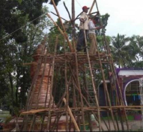 Wau...Malam Tahun Baru 2016 Pengelola Alam Mayang Pekanbaru, Tampilkan Bolu Kemojo Setinggi 10 Meter