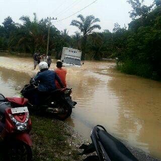 Sungai Singingi Meluap, Puluhan Rumah di Tanjung Pauh Terendam