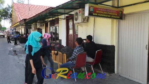 Jenazah di RS Bhayangkara Pekanbaru, Terduga Bandar Narkoba di Kampar Tewas Ditembak Aparat