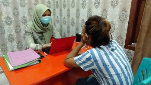 Dilarang Berhubungan dengan Mantan Suami, Janda Siramkan Air Panas ke Wajah Ibunya