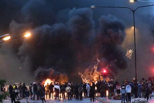 Aksi Bakar Alquran Kelompok Anti-Islam Picu Kerusuhan di Swedia
