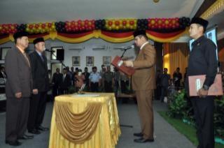 Masran Ali dan Fitri Pita Resmi Gantikan Muslim dan Komperensi di DPRD Kuansing