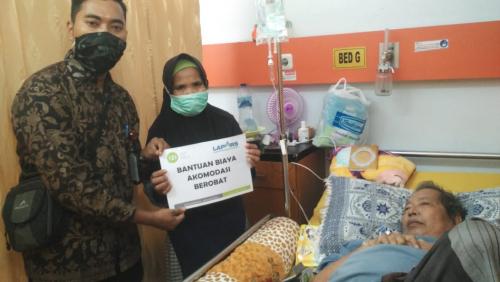 IZI Riau Bantu Biaya Berobat Jainal Penderita Infeksi Hati