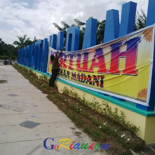 Julukan Kota Pekanbaru Dirubah, Komunitas Melayu Bersatu Pasang Spanduk Protes