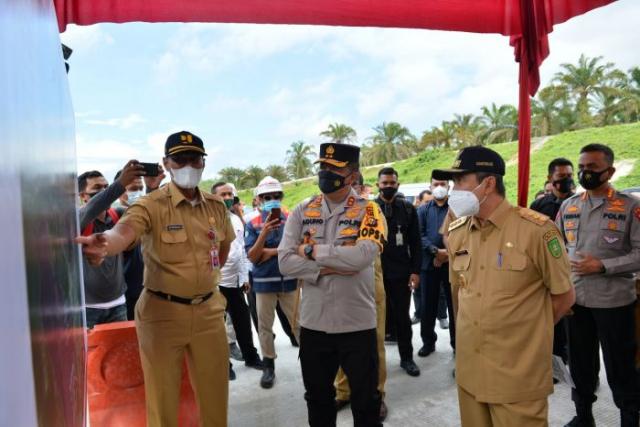 GoRiau Gubernur Riau Syamsuar didampi