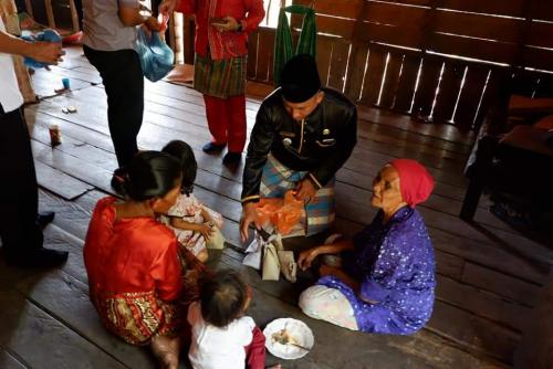 GoRiau Sedekah nasi bungkus