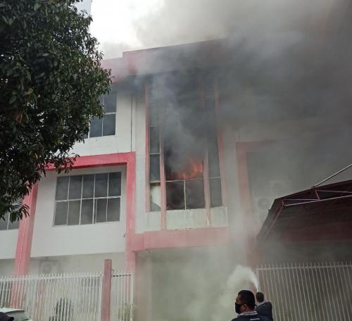 GoRiau Gedung Telkom Pekanbaru terbak