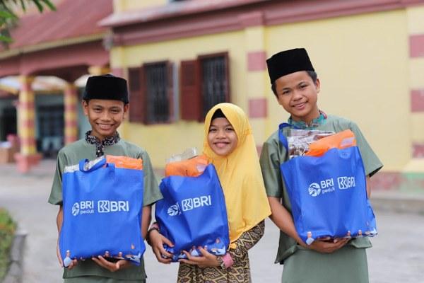 GoRiau Penyerahan bantuan untuk pelaj